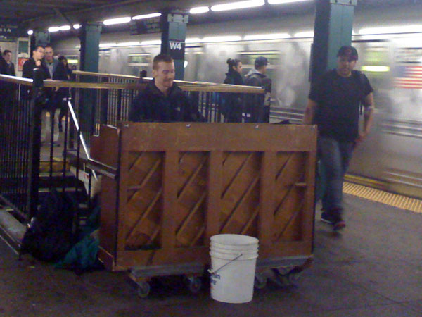 subway-piano-2.jpg