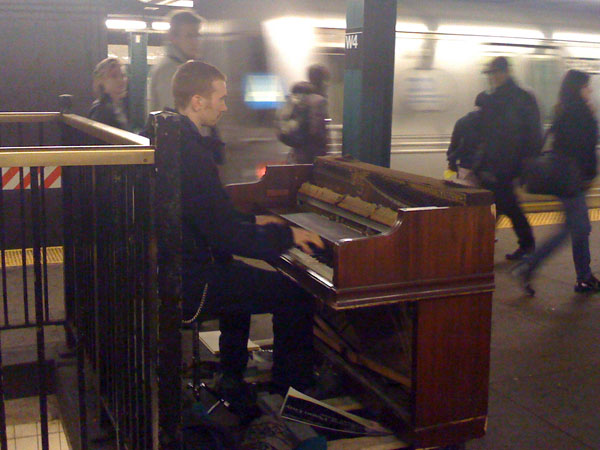 subway-piano-3.jpg